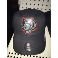 NFL Team Headewear Women's Cincinnati Bengals Shiny Tiger Head Hat